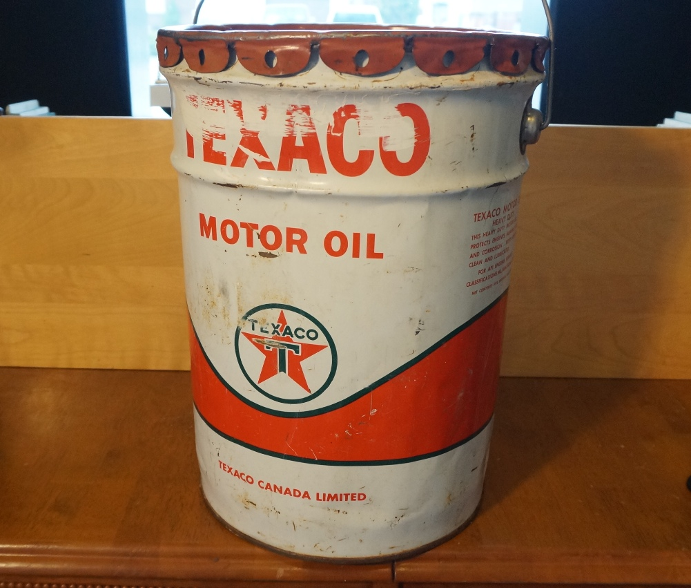 Vintage texaco canada motor oil drum 5 gallon heavy for Gallon of motor oil